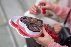 Протеинов шоколад 13 - шоколадови бонбони в кутия-сърце